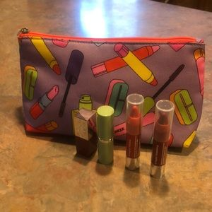NWT Clinique Cosmetic bag with lipsticks💋